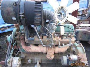 解放142汽油发动机变速箱差速器